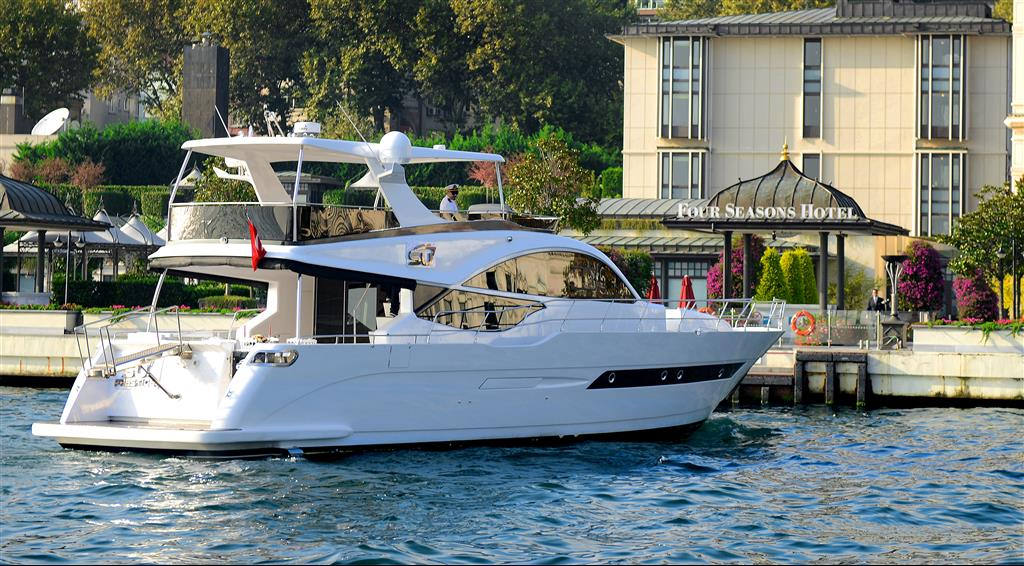 SU Prestige Kiralık Tekne